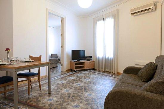 MH Apartments Tetuan: Living room 2 bedroom