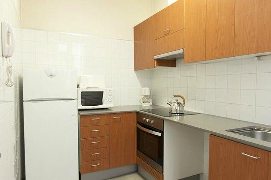 MH Apartments Tetuan: Kitchen