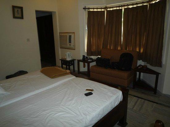 Tiger Den Resort: Garden cottage room
