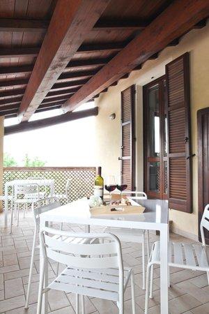 ARANCIO terrazzo coperto - Picture of IL VECCHIO MANDORLO, Perugia ...