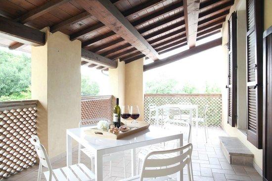 PESCO terrazzo coperto - Picture of IL VECCHIO MANDORLO, Perugia ...