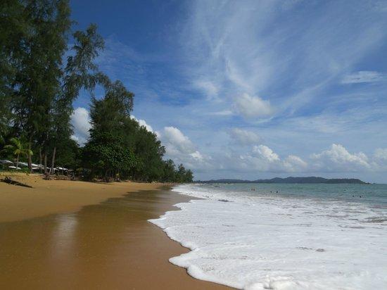 Khaolak Merlin Resort: The beach