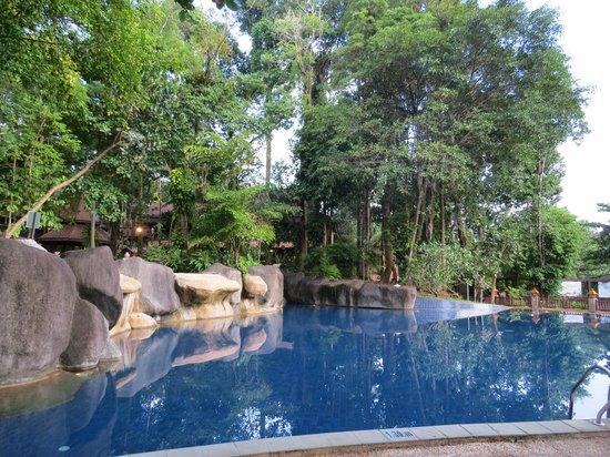 Khaolak Merlin Resort: Another pool