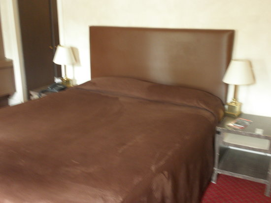 Hotel Concortel: Our comfortable bed!