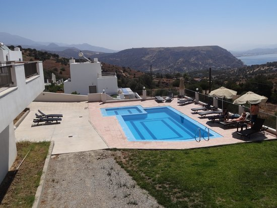 Lenikos Resort: vue sur la piscine