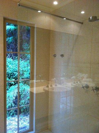 Myers Creek Cascades: Bathroom