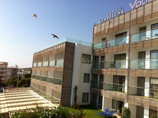 Vouliagmeni Suites: looks great
