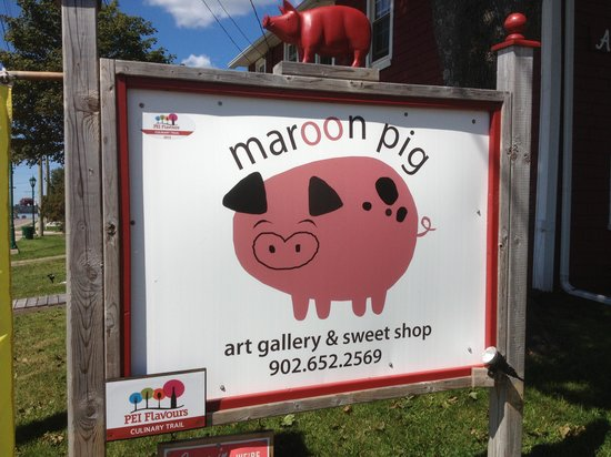 The Maroon Pig Art Gallery and Sweet Shop: Stop here