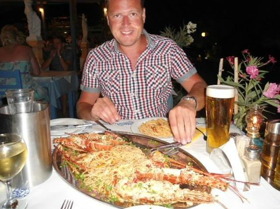 Meltemi Luxury Suites: Lobster with spaghetti at The Apollon