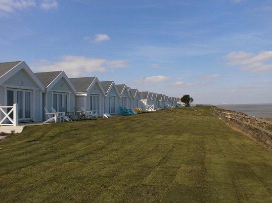 Warner Leisure Hotels - Corton Coastal Holiday Village: Brand New Clifftop lodge room