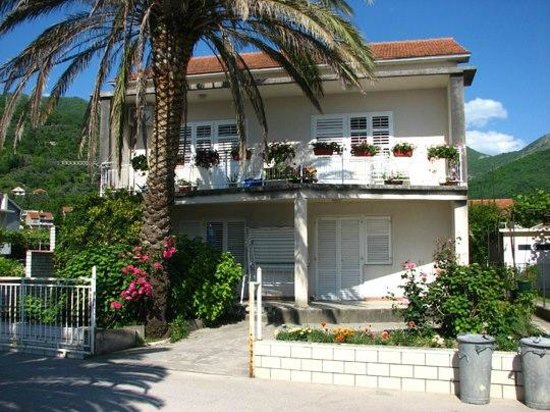 Apartments Bonazza - Tivat: Our family house
