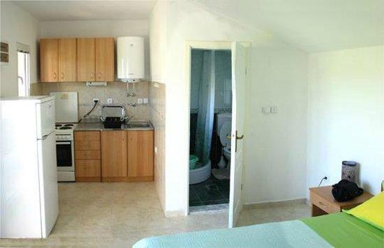 Apartments Bonazza - Tivat: Green studio's kitchen