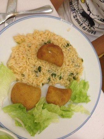 O Poleiro : rissoles e arroz com coentro
