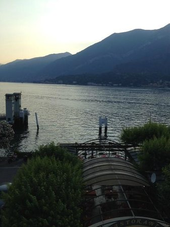 Hotel Excelsior Splendide: Lake Como at dusk