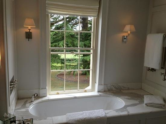 Lime Wood Hotel: amazing bathroom!