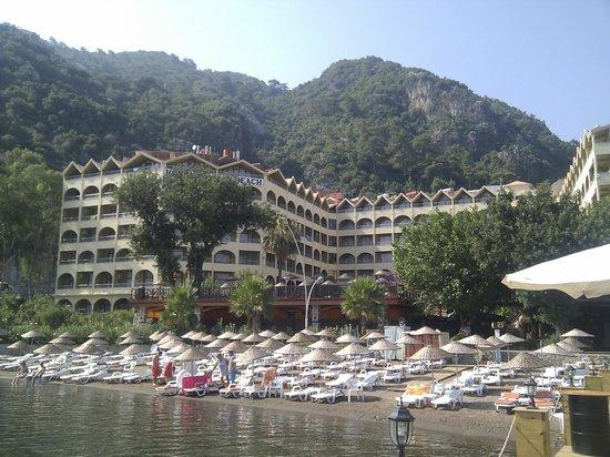 Golmar Beach Hotel: Hotel & grounds