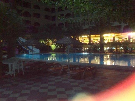 Golmar Beach Hotel: pool