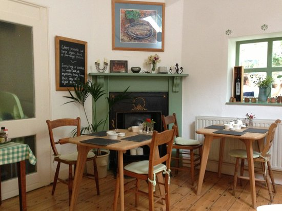 Molesworth Manor: BREAKFAST ROOM
