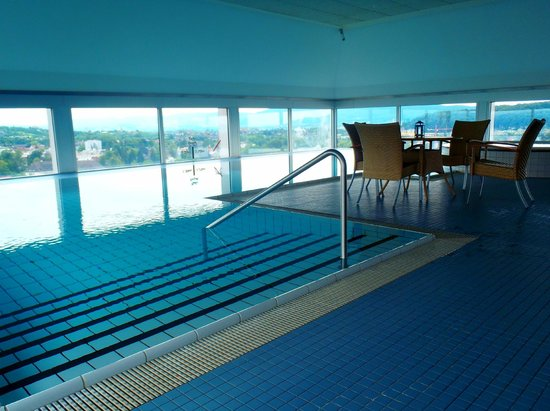 Indoor swimming pool picture of swissotel zurich zurich tripadvisor - Oerlikon swimming pool ...