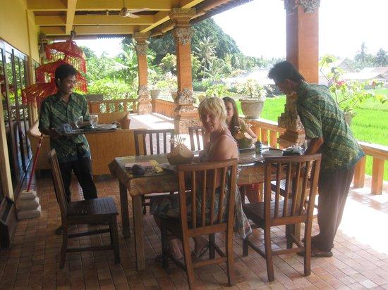 Mandala Desa: Ontbijt