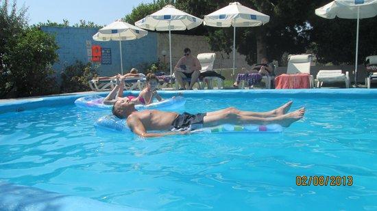 Loutanis Hotel: small pool area