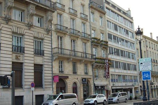 Hotel de L'Opera : la facciata sulla strada