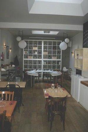 Le P'tit Belge : le fond du restaurant et sa décoration