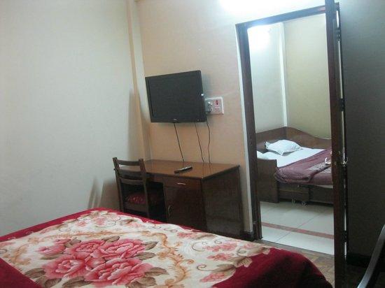 Hotel Mussoorie Club: room