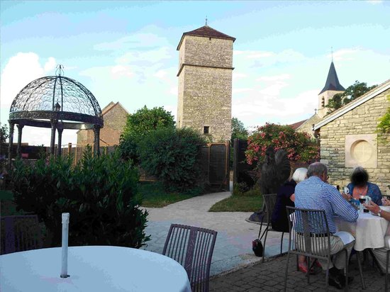 Auberge La Beursaudiere : View from the table (left)