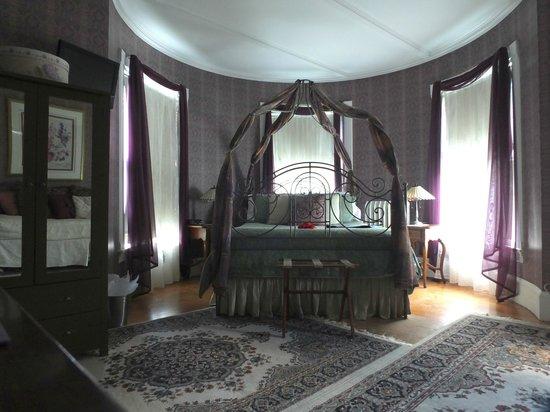LimeRock Inn: The Turret Room