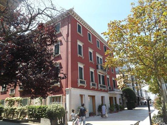 Hotel Helvetia: extérieur 2