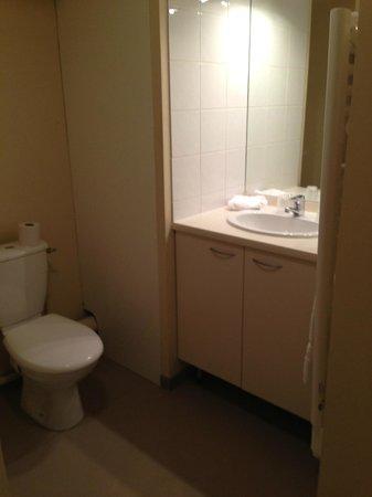 Adagio Access Avignon : toilet