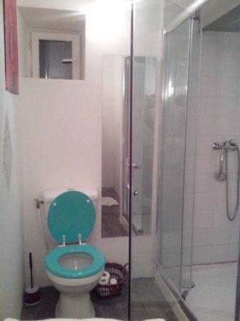 Cafe de la Promenade : toilette / douche