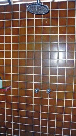 Peace Resort: Shower area