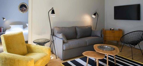 Suites & Hotel Helzear Champs-Elysees: living room
