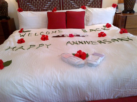 The Phoenix Resort: So thoughtful to remember our anniversary!