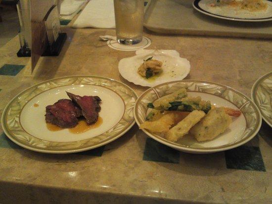 Buffet Restaurant Hapuna: 天ぷらはおいしいです.ローストビーフは普通