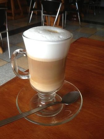 A's Famous Diner and Deli: illy coffee latte