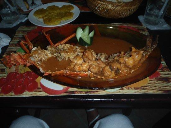 Restaurant La Ponderosa del Mar: Homard quelques minutes après sa mort!