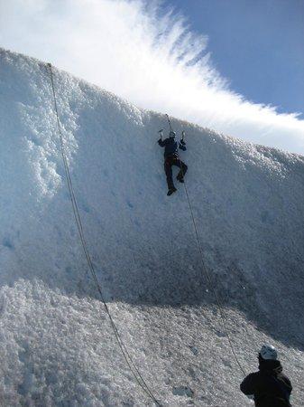Dragon de la Patagonia : ice climbing on the glacier