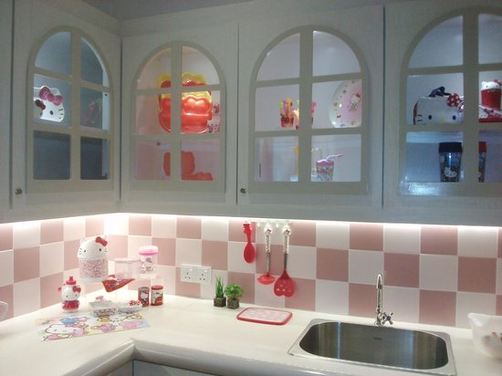 Sanrio Hello Kitty Town : Kitty's kitchen
