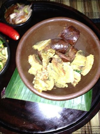 Kunyit Restaurant - The Anvaya Bali: Balinese sausage and urapan