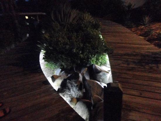 Cooper Island Beach Club: Illuminated landscape