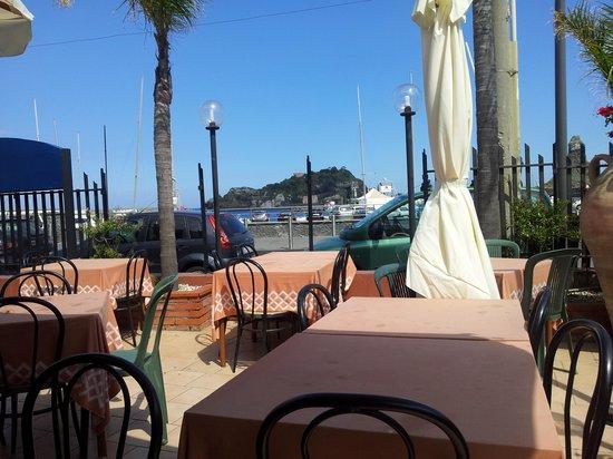 Trattoria Porto Nuovo Acitrezza: Vista sul mare