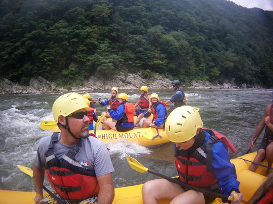 High Mountain Expeditions: Nolichucky rafting