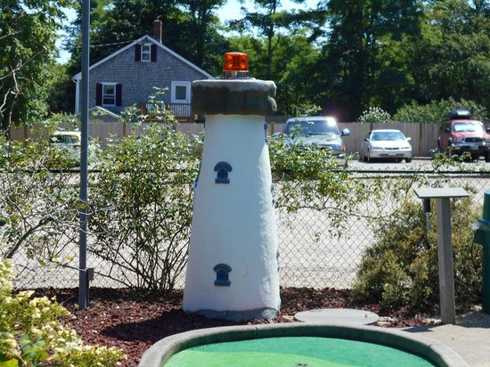 Putter's Paradise : A miniature lighthouse, located at the eighteenth hole.