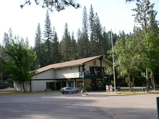 Yosemite Lakes RV Resort: Lodge