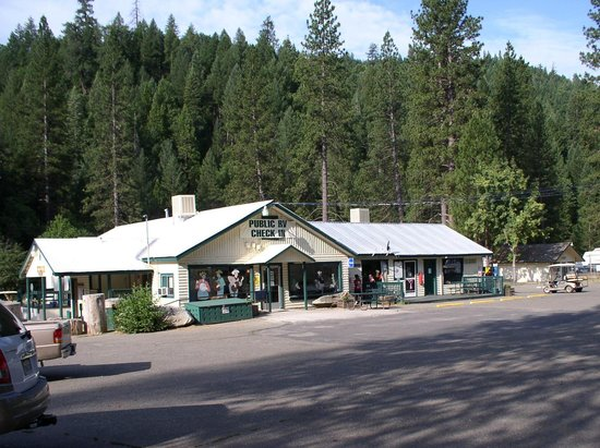Yosemite Lakes RV Resort: Check In here