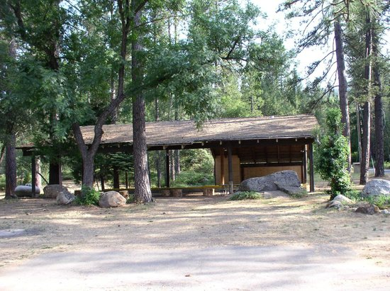 Yosemite Lakes RV Resort: Shows are put on here