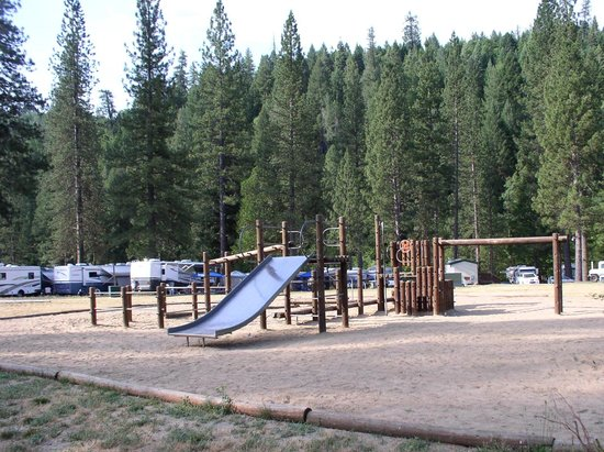 Yosemite Lakes RV Resort: Playground